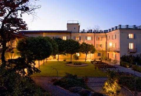 La Villa Hotel - 3 of 22