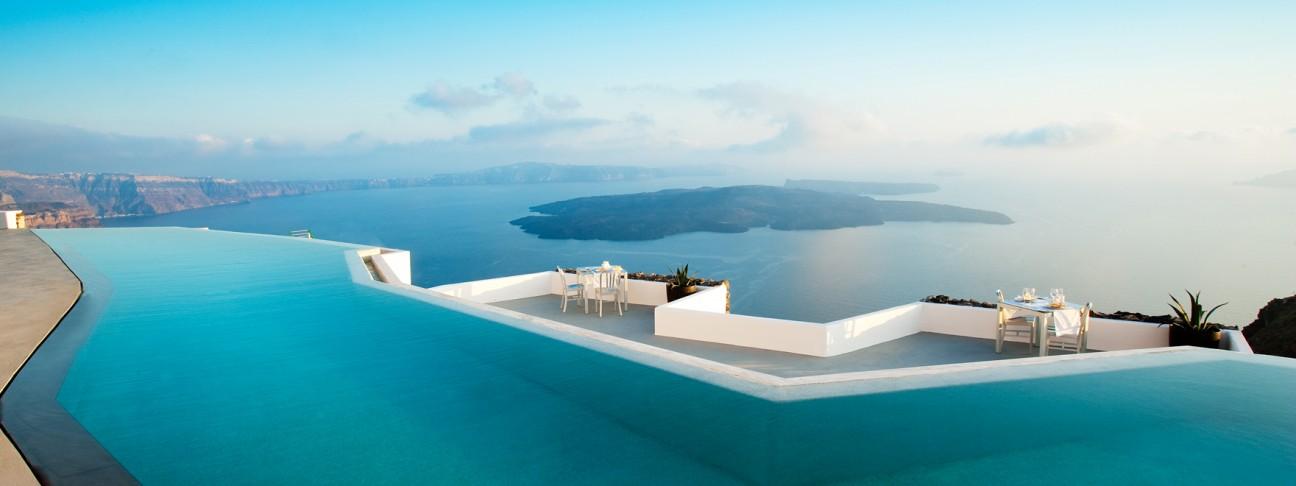 Las piscinas más impresionantes del planeta 779437-santorini-grace-hotel-santorini-greece